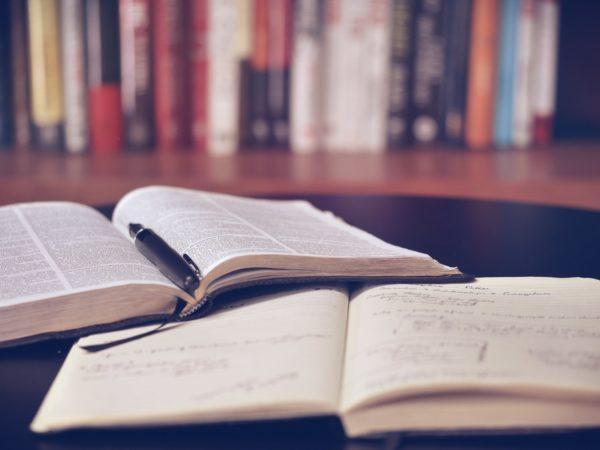 die wichtigste tägliche Routine - lies täglich in einem Buch