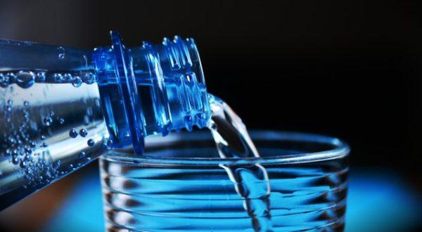 Wasser das Superfood für die Fettverbrennung